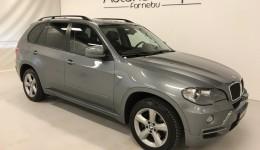 2009 BMW X5 3.0D 235hp/ M-Sport  |  PANORAMA | NOWE EU w Bavaria | KOMPLETNIE REMONT. SILNIK  |  DOBRZE WYPOS. |  NAW. + KAMERA + PDC + PAMIĘĆ FOTELI +++  |  221000 km  |  Cena na MN 349900 KR!  |  KREDYT JUŻ OD 0% WKŁADU | POLECAMY!