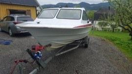 Sprzedam łódke z przyczepą