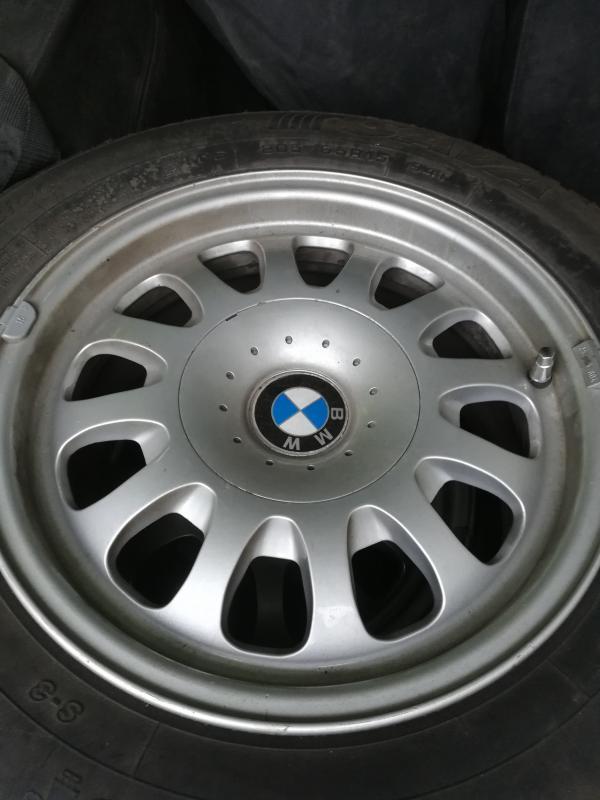 Sprzedam opony BMW Piggdekk- SAVA M+S 205/65R15