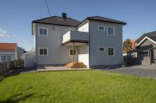 Mieszkanie w centrum Sarspborg z garazem.