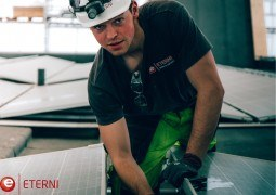 ALUMINUM AND GLASS STRUCTURES FITTER